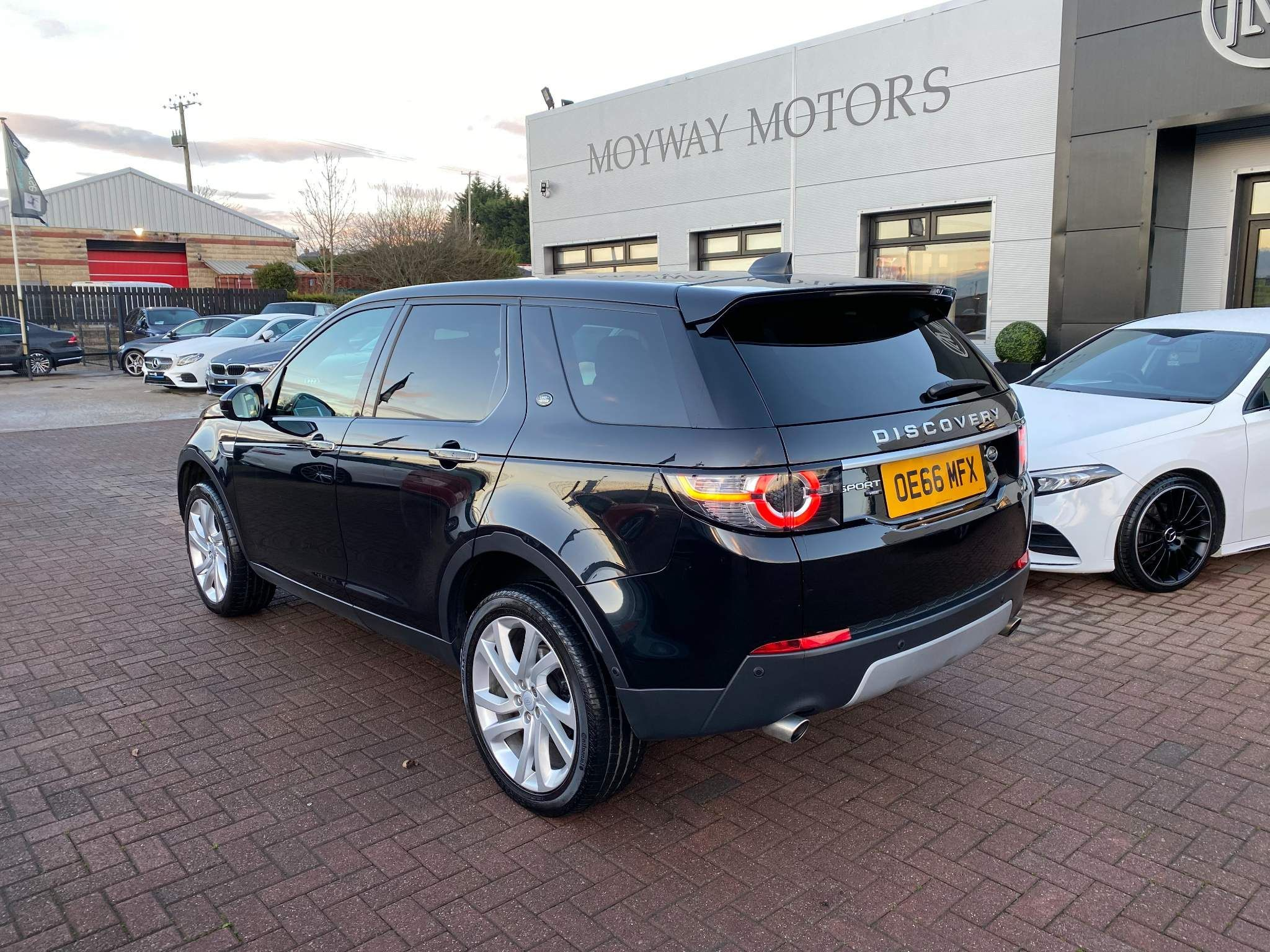 2017 Land Rover Discovery Sport 2.0 TD4 HSE Luxury Auto 4WD (s/s) 5dr Diesel Automatic – Moyway Motors Dungannon full