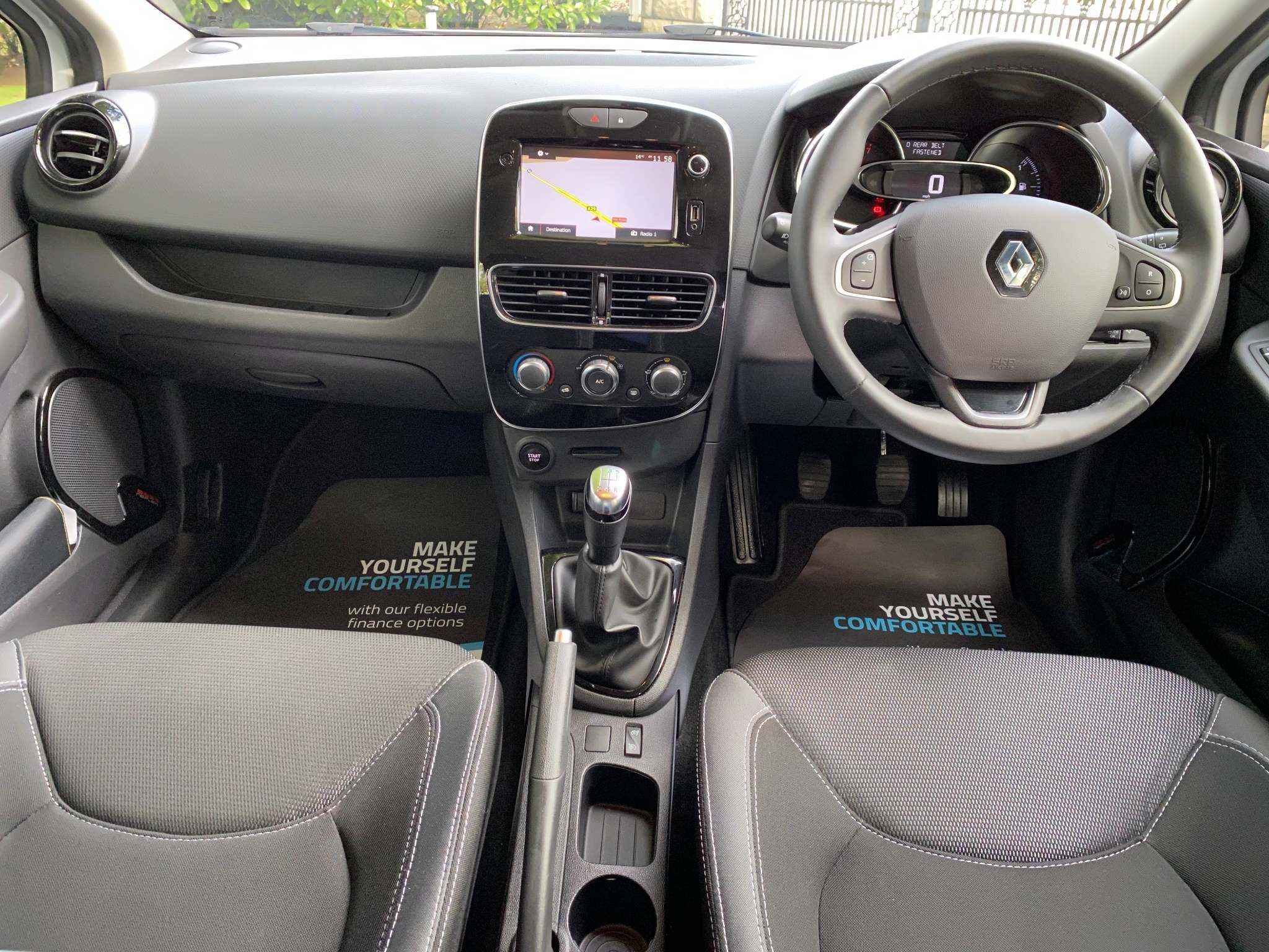 2017 Renault Clio 1.2 16V Dynamique Nav 5dr Petrol Manual – Moyway Motors Dungannon full
