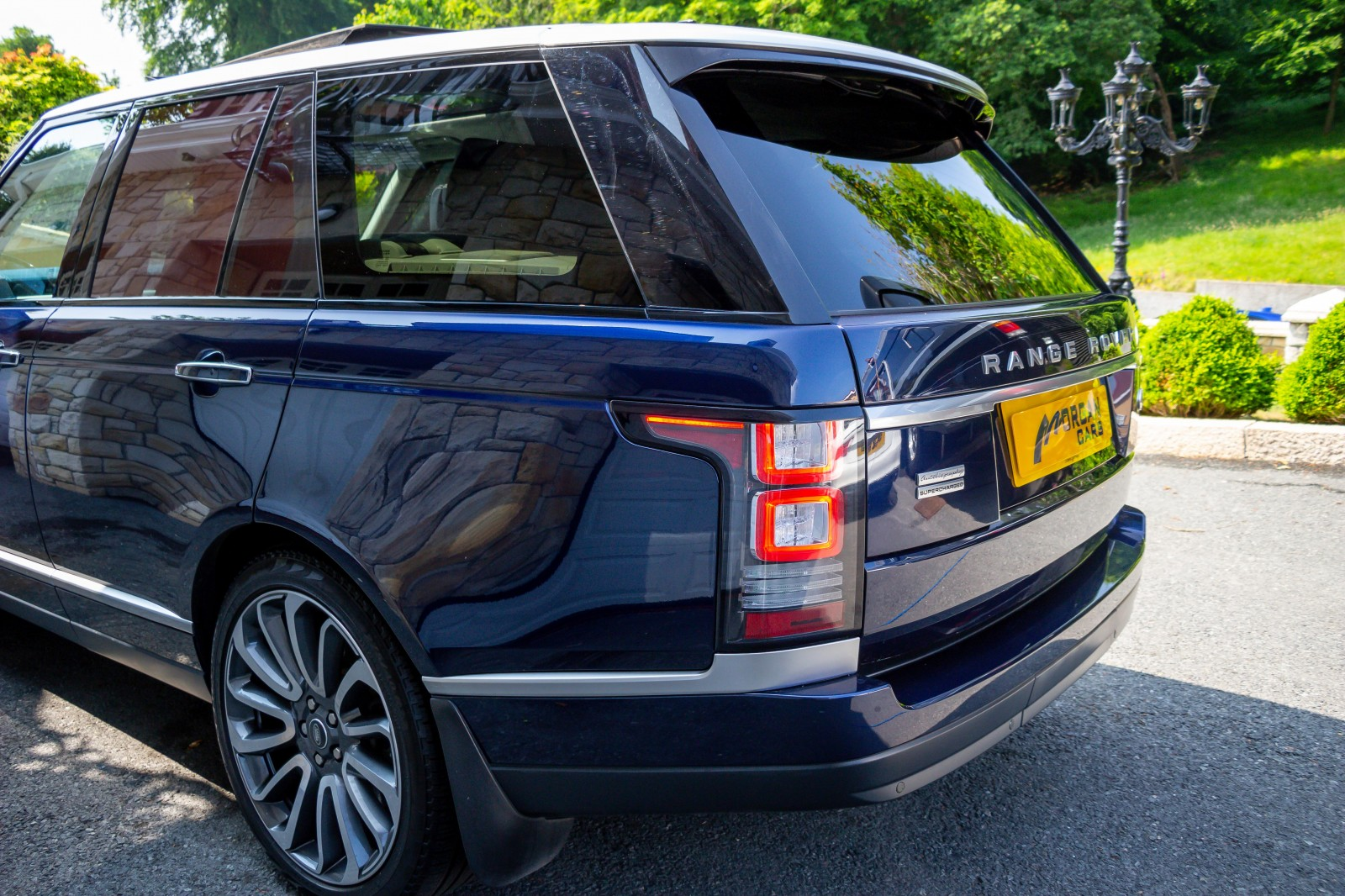 2015 Land Rover Range Rover 5.0 SUPERCHARGED V8 AUTOBIOGRAPHY Petrol Automatic – Morgan Cars 9 Mound Road, Warrenpoint, Newry BT34 3LW, UK full