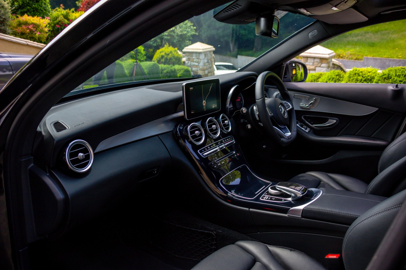 2017 Mercedes-Benz C Class C 250 D 4MATIC AMG LINE PREMIUM PLUS Diesel Automatic – Morgan Cars 9 Mound Road, Warrenpoint, Newry BT34 3LW, UK full
